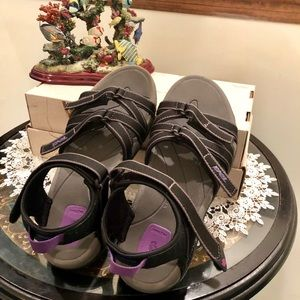 Teva Women's Tirra Sandal, Black/grey/lavender